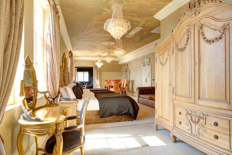 30-James-Street---Bedroom-1_0155 - Copy
